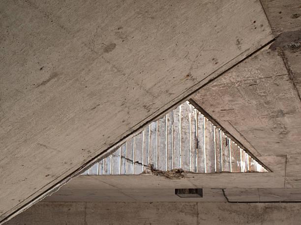 Acute angle of a ceiling