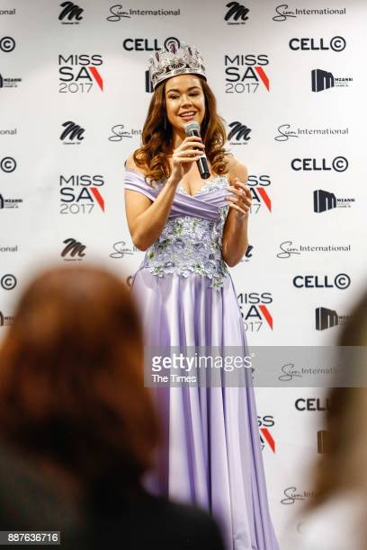 Adè van Heerden a medical doctor in the SA Military Health Services during her crowning as Miss South Africa 2017 on November 30 2017 in Johannesburg...