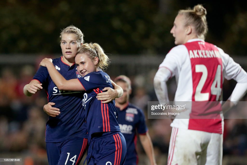 Ajax v Olympique Lyon : News Photo