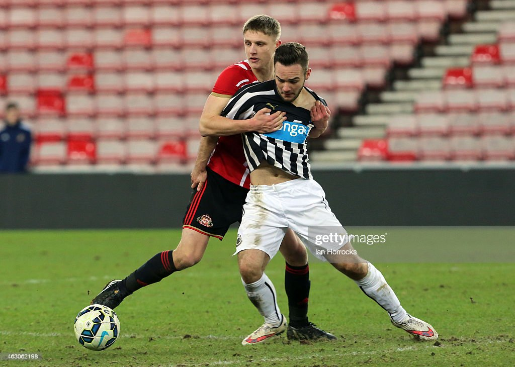 Sunderland AFC v Newcastle United- FA Youth Cup Fifth Round : News Photo