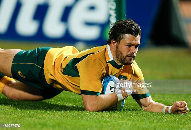 Adam AshleyCooper of Australia scores during a match between Australia and Argentina as part of The Rugby Championship 2015 at Estadio Malvinas...