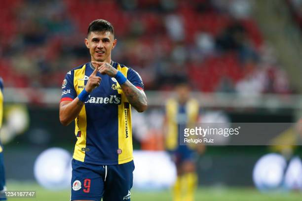 Adam Bareiro of Atletico San Luis celebrates the second goal of his team during the 1st round match between Chivas and Atletico San Luis as part of...