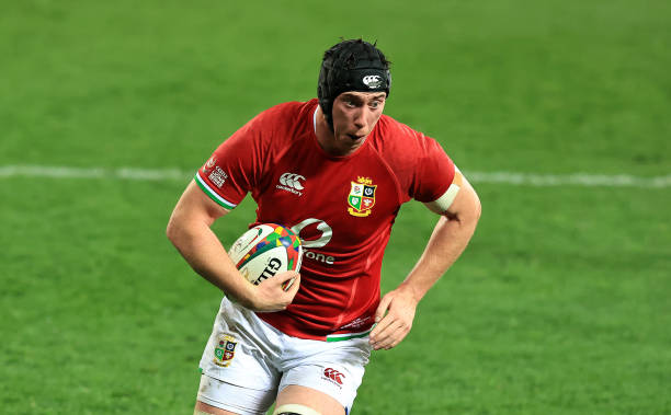 CAPE TOWN, SOUTH AFRICA - JULY 17: Adam Beard of the British & Irish Lions breaks with the ball to score the first try during the match between the DHL Stormers and the British & Irish Lions at Cape Town Stadium on July 17, 2021 in Cape Town, South Africa. (Photo by David Rogers/Getty Images)