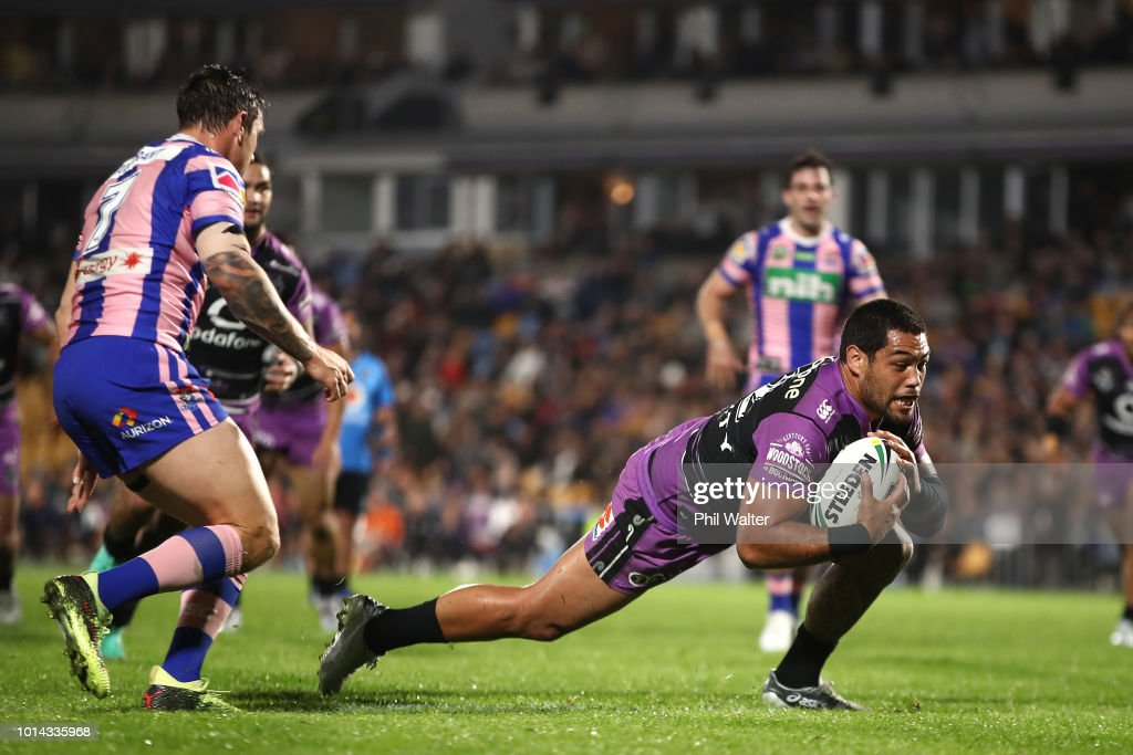 Adam Blair of the Warriors scores a try during the round 22 NRL match between the New Zealand Warriors and the Newcastle Knights at Mt Smart Stadium on August 10, 2018 in Auckland, New Zealand.
