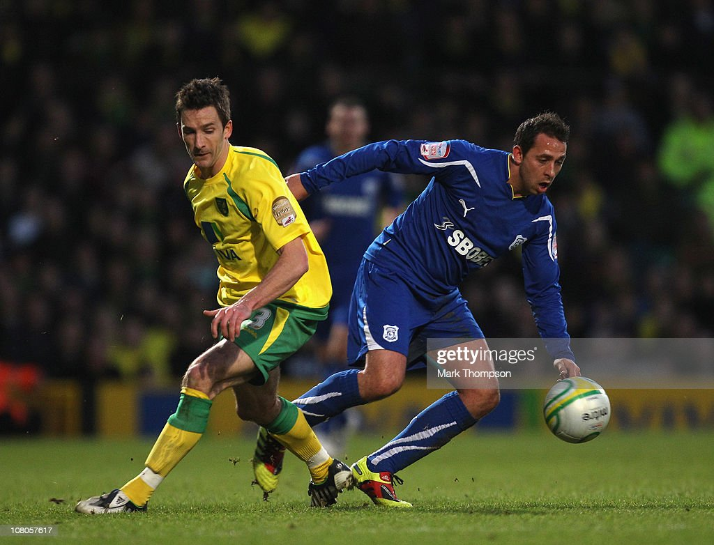 Norwich City v Cardiff City - npower Championship : News Photo
