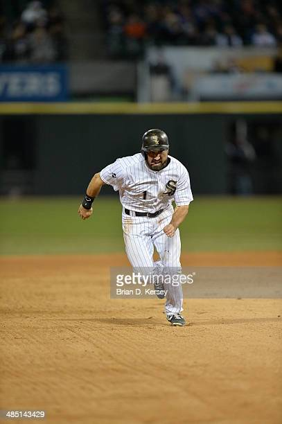 Adam Eaton of the Chicago White Sox runs towards third base during the eighth inning against the Cleveland Indians at US Cellular Field on April 11...
