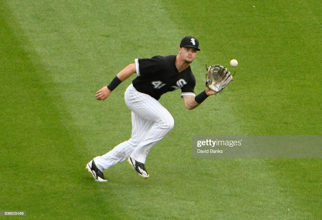 Adam Engel #41 of the Chicago White Sox makes a catch on Jorge Polanco #11 of the Minnesota Twins during the fifth inning in game one of a doubleheader on August 21, 2017 at Guaranteed Rate Field in Chicago, Illinois.