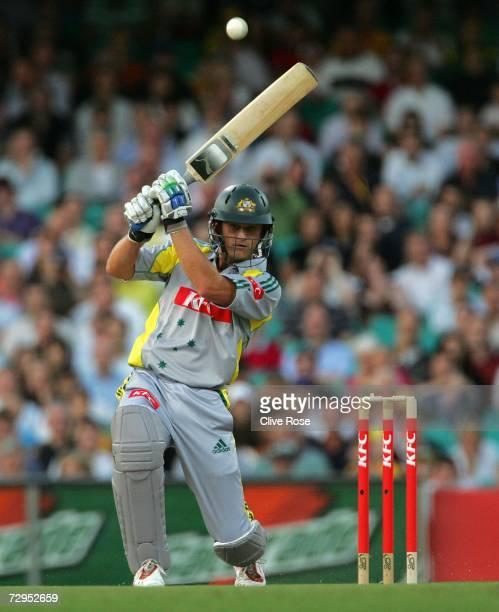 Adam Gilchrist of Australia bats during the Twenty20 International match between Australia and England at the Sydney Cricket Ground on January 9 2007...