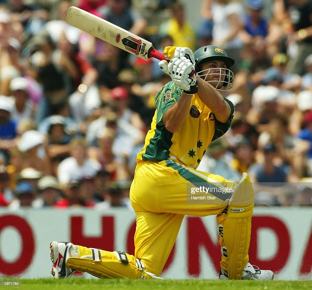 Cricket - ODI , Australia v Zimbabwe : ニュース写真