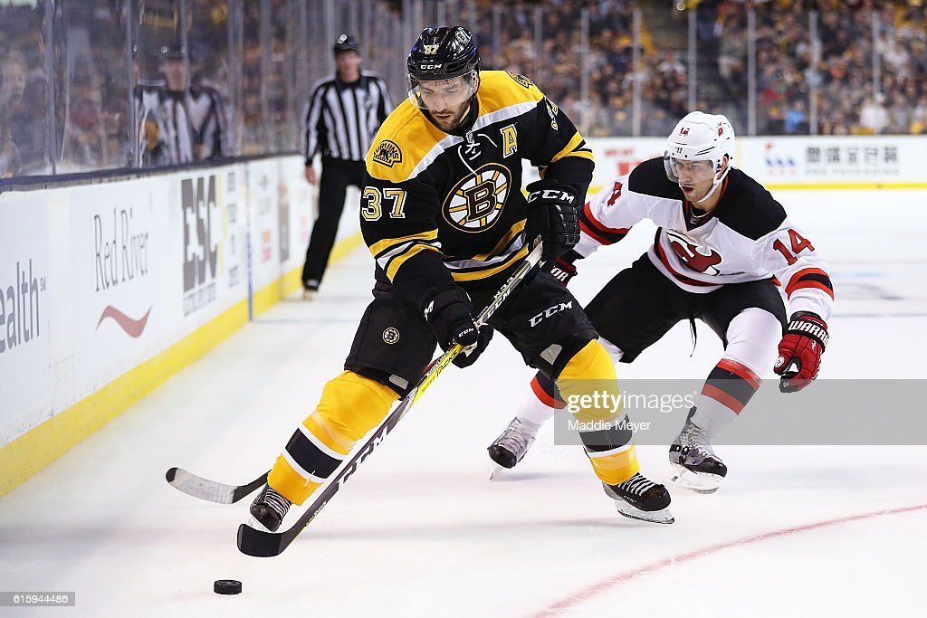 New Jersey Devils v Boston Bruins : News Photo