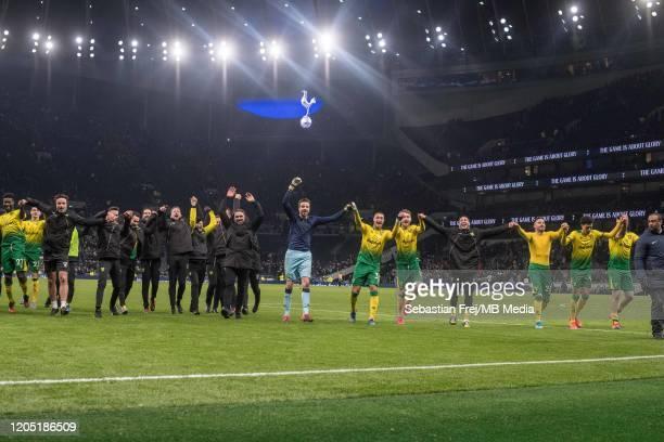 Adam Idah Tim Krul Alexander Tettey Daniel Farke Onderj Duda Josip Drmic of Norwich City celebrate after winning penalty shootout during the FA Cup...
