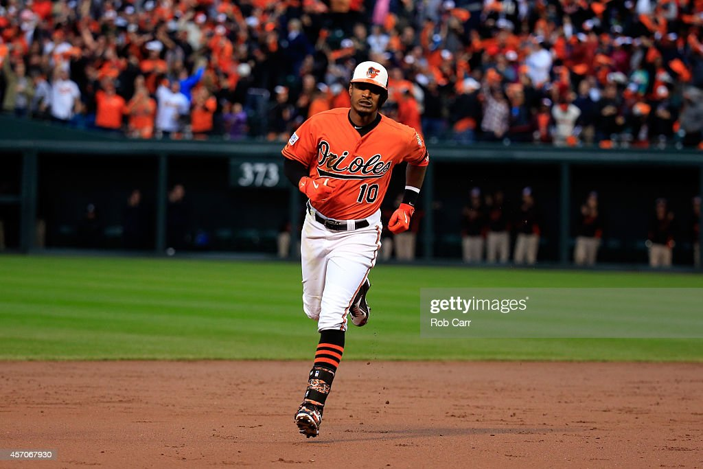 ALCS - Kansas City Royals v Baltimore Orioles - Game Two : News Photo