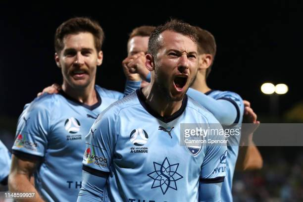 Adam Le Fondre of Sydney FC celebrates scoring a penalty goal during the A-League Semi Final match between Sydney FC and the Melbourne Victory at...