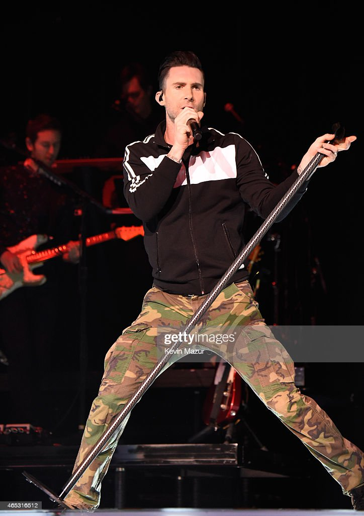 adam levine of maroon 5 performs onstage during the 39 v 39 tour at news photo getty images. Black Bedroom Furniture Sets. Home Design Ideas