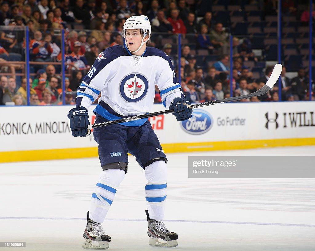 Winnipeg Jets v Edmonton Oilers : News Photo