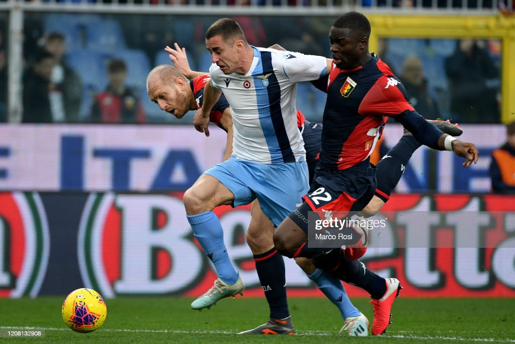 Adam Marusic of SS Lazio competes for the ball with Adama Soumaoro... News  Photo - Getty Images