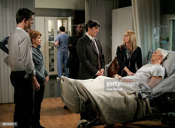 Adam Mayfield , Julia Barr , Darnell Williams , Vincent Irizarry , Natalie Hall and David Canary in a scene that airs the week of April 12, 2010 on...