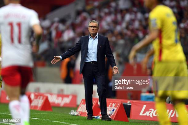 Adam Nawalka of Poland gives instructions during the 2018 FIFA World Cup Russia eliminations match between Poland and Romania on June 10 2017 at the...