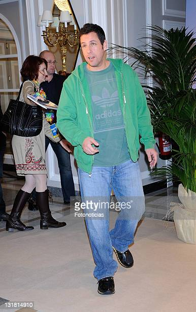 Adam Sandler attends a photocall for 'Sigueme El Rollo' at the Villamagna Hotel on February 22, 2011 in Madrid, Spain.