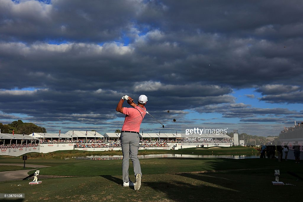 Adam Scott of Australia hits his tee shot on the 17th hole during the final round of the Honda Classic at PGA National Resort & Spa - Champions Course on February 28, 2016 in Palm Beach Gardens, Florida.