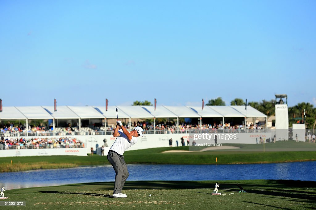 Adam Scott of Australia plays his tee shot at the par 3, 17th hole during the second round of the 2016 Honda Classic held on the PGA National Course at the PGA National Resort and Spa on February 26, 2016 in Palm Beach Gardens, Florida.