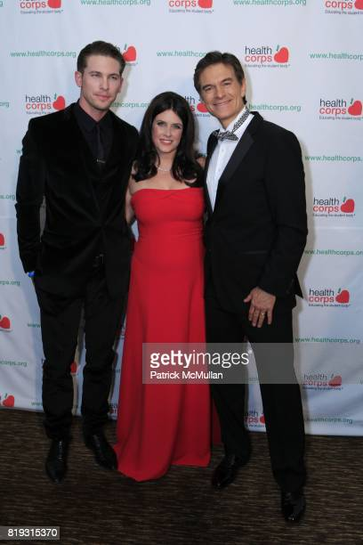 Adam Senn Lisa Oz and Dr Mehmet Oz attend Dr OZ's HEALTHCORPS Announces Gala to Raise Funds to Fight Child Obesity at Pier 60 on April 21 2010 in New...