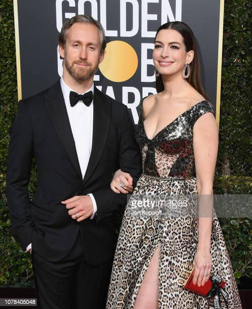 Adam Shulman and Anne Hathaway attend the 76th Annual Golden Globe Awards at The Beverly Hilton Hotel on January 6 2019 in Beverly Hills California