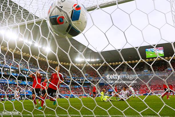 Adam Szalai of Hungary scores his team's first goal during the UEFA EURO 2016 Group F match between Austria and Hungary at Stade Matmut Atlantique on...