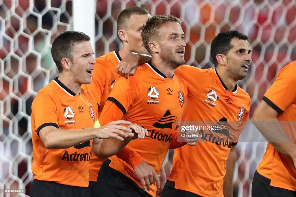 A-League Rd 5 - Brisbane v Melbourne : News Photo