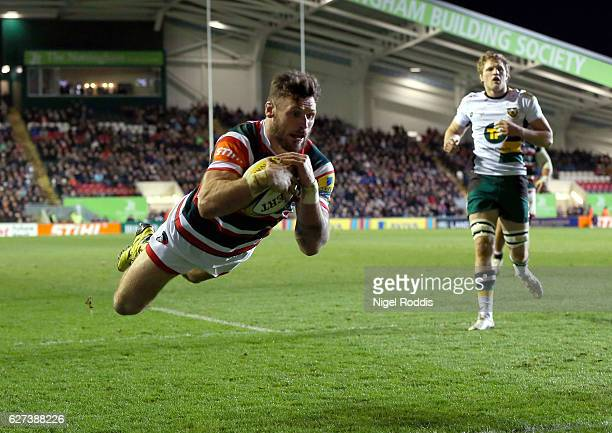 Adam Thomstone of Leicester Tigers scores a try during the Aviva Premiership match between Leicester Tigers and Northampton Saints at Welford Road on...