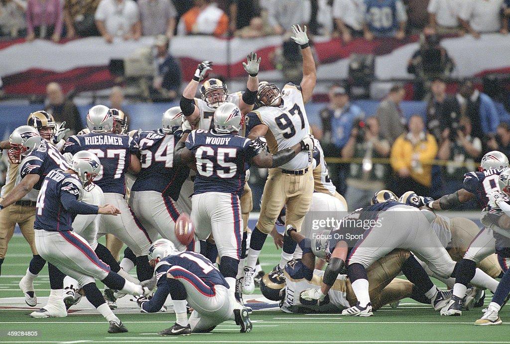 Super Bowl XXXVI - St. Louis Rams v New England Patriots : News Photo