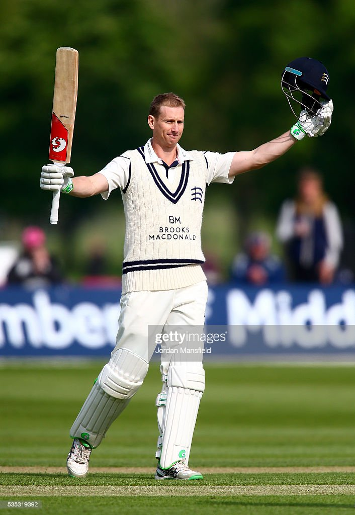 Middlesex v Hampshire - Specsavers County Championship - Division One
