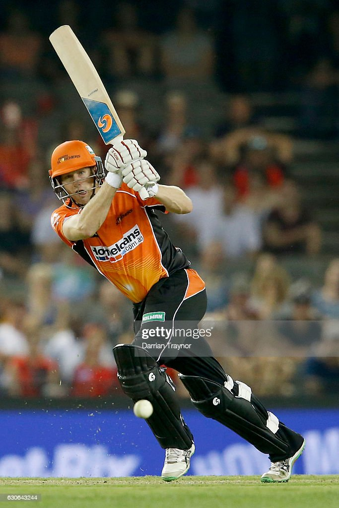 Adam Voges of the Perth Scorchers bats during the Big Bash League match between the Melbourne Renegades and Perth Scorchers at Etihad Stadium on December 29, 2016 in Melbourne, Australia.