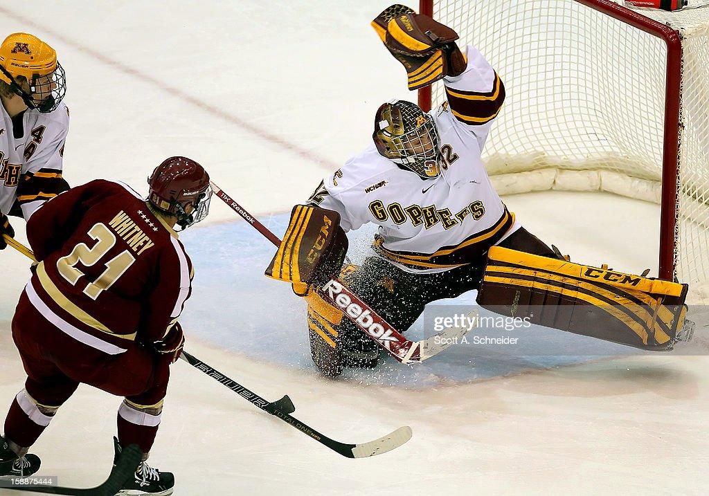 Boston College v Minnesota : News Photo