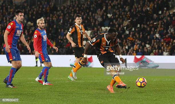 Adama Diomande of Hull City scores their second goal during the Premier League match between Hull City and Crystal Palace at KCOM Stadium on December...