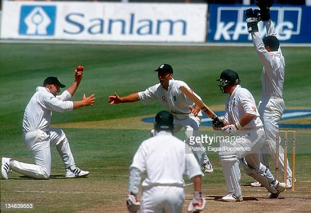 Adams appeals for the catch off Kallis that umpire Rudi Koertzen declared not out South Africa v England 2nd Test Port Elizabeth Dec 99