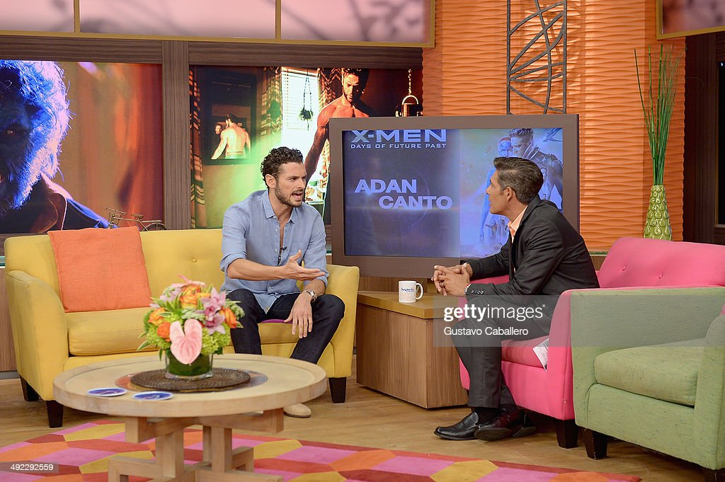 Adan Canto and Johnny Lozada on the set of Despiereta