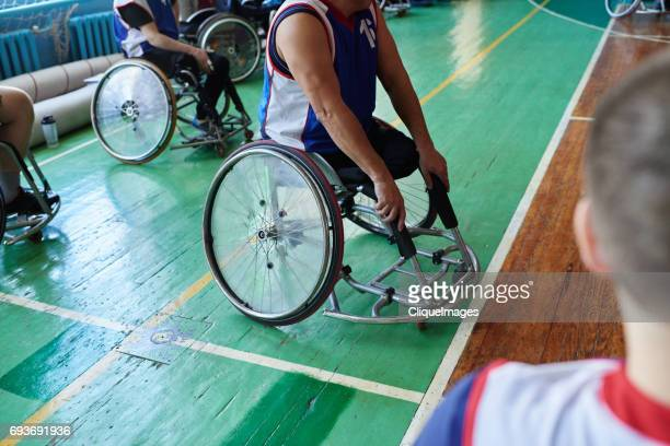 adaptive athlete in wheelchair - cliqueimages - fotografias e filmes do acervo