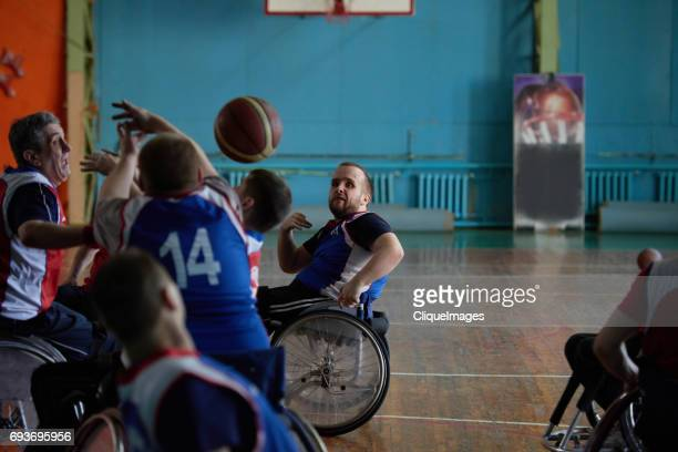 adaptive athletes on basketball match - cliqueimages - fotografias e filmes do acervo
