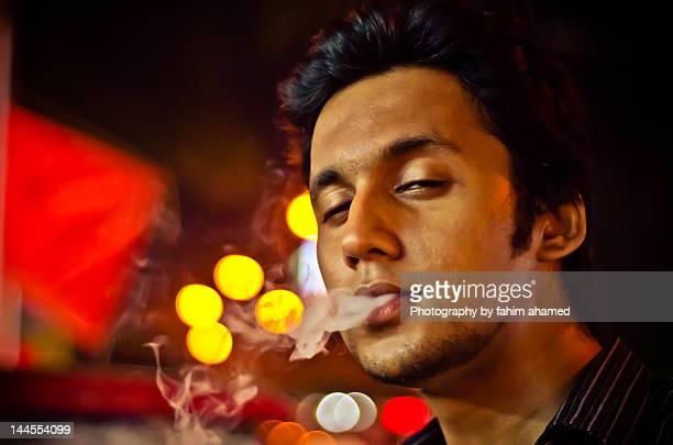 addiction - bangladesh stock-fotos und bilder