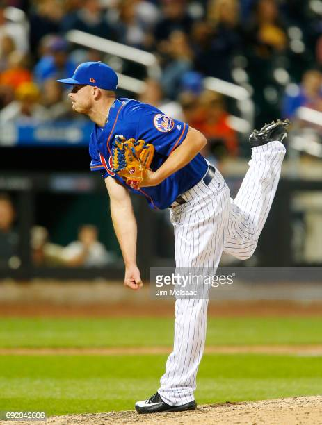 Addison Reed of the New York Mets pitches in the eighth inning against the Pittsburgh Pirates at Citi Field on June 3 2017 in the Flushing...