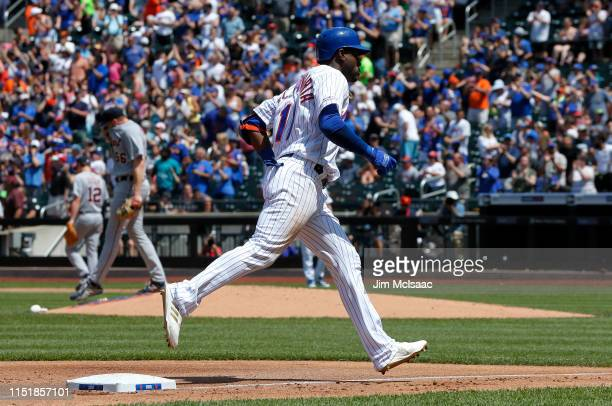Adeiny Hechavarria of the New York Mets runs the bases after his fourth inning three run home run against Spencer Turnbull of the Detroit Tigers at...