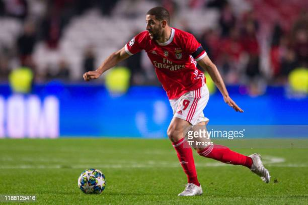 Adel Taarabt of SL Benfica controls the ball during the UEFA Champions League group G match between SL Benfica and Zenit St Petersburg at Estadio da...