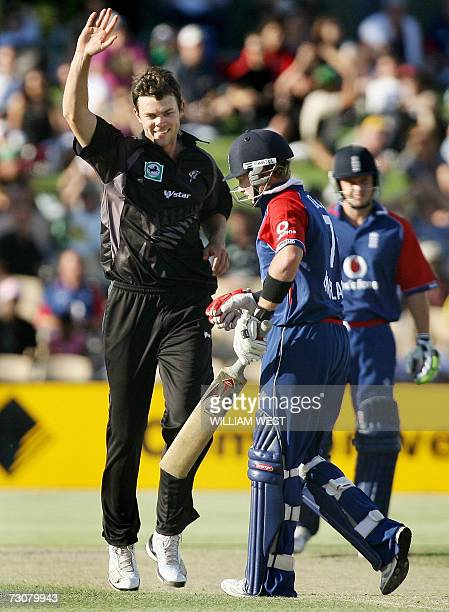 New Zeland paceman James Franklin celebrates dismissing England batsman Ian Bell in their one day match being played in Adelaide, 23 January 2007....