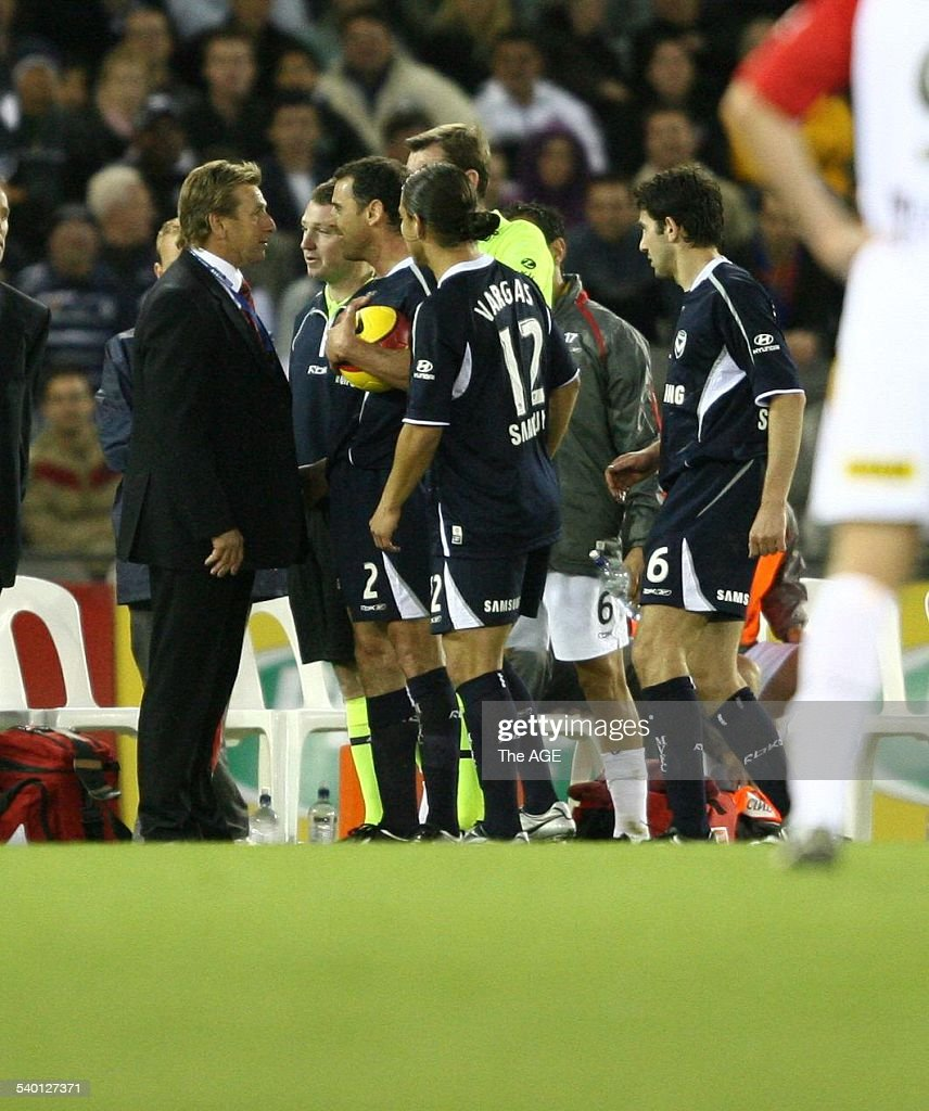 Adelaide coach John Kosmina and Kevin Muscat clash on the sidelines after Kosmin : News Photo