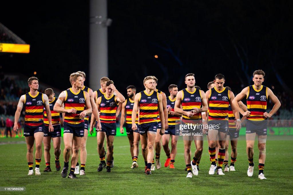 AFL Rd 18 - Adelaide v Essendon : ニュース写真