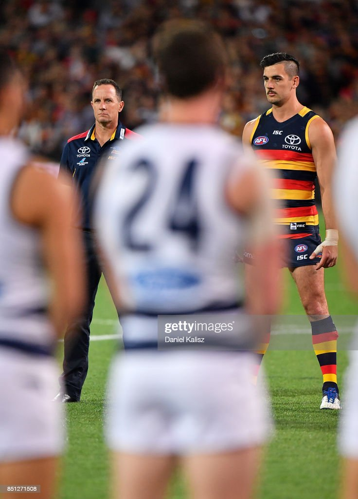 AFL 1st Preliminary Final - Adelaide v Geelong : News Photo