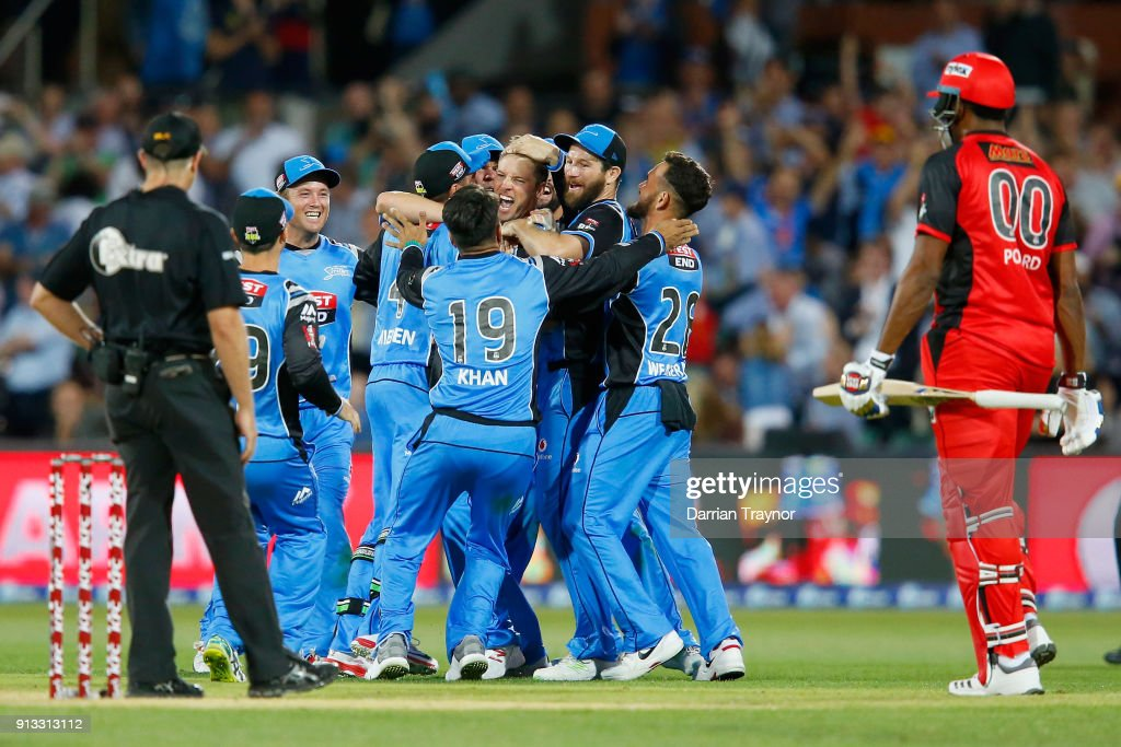 BBL Semi Final - Strikers v Renegades : News Photo
