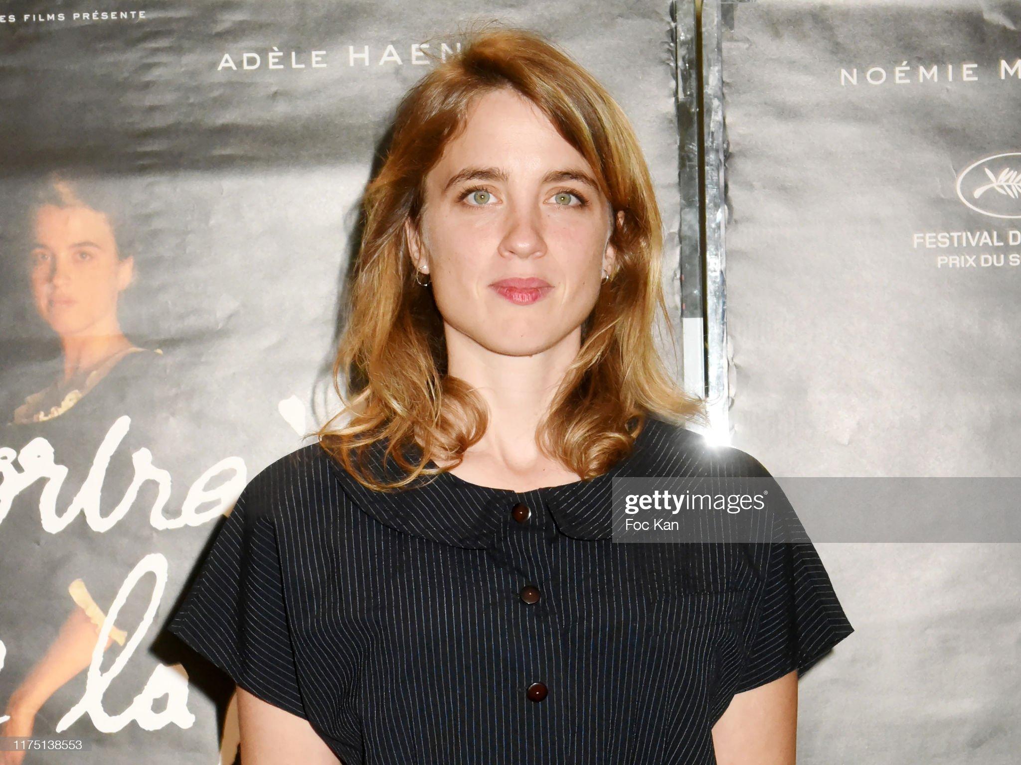 """""""Portrait De La Jeune Fille En Feu"""" : Paris Premiere At UGC Cite Les Halles : Photo d'actualité"""