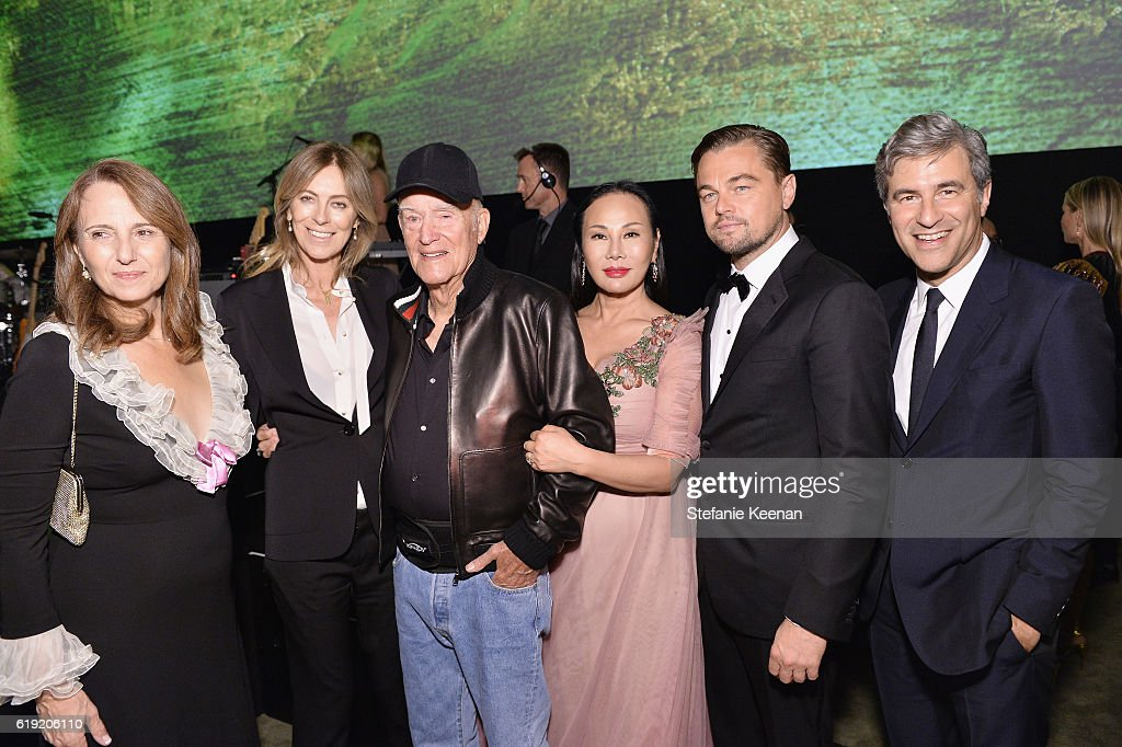 Adele Irwin, honoree Kathryn Bigelow, honoree Robert Irwin, host Eva Chow, co-chair Leonardo DiCaprio, and CEO and Wallis Annenberg Director of LACMA Michael Govan attend the 2016 LACMA Art + Film Gala Honoring Robert Irwin And Kathryn Bigelow Presented By Gucci at LACMA on October 29, 2016 in Los Angeles, California.